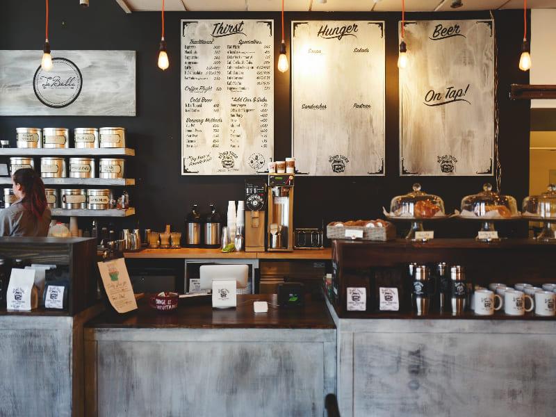 Persona trabajando en café en Sydney