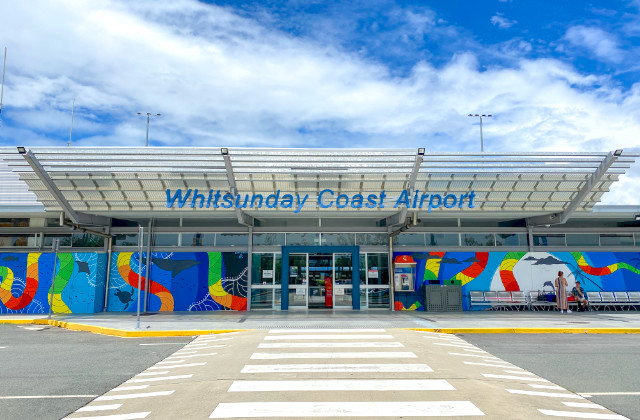 Entrada del Aeropuerto Proserpine - Como ir a Whitsunday