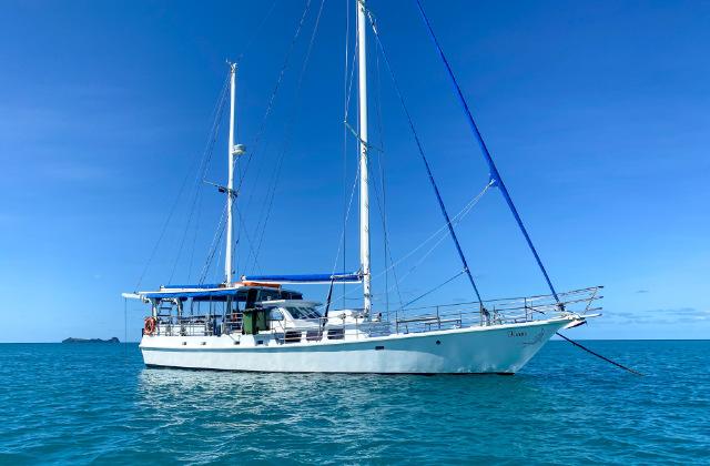 Barco Kiana en el mar. Una de las formas como llegar a Whitsundays