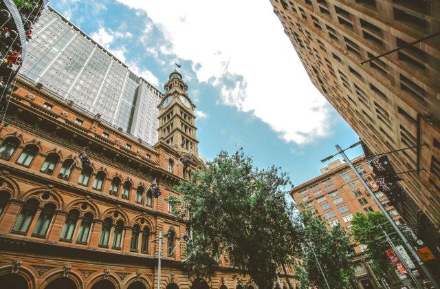 Edificios en el centro financiero de Sydney. Como evitar la cancelación de la visa Australiana