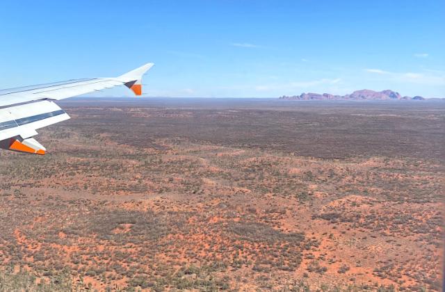 Viaje a Uluru en avión