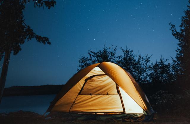 Casa de campaña en campamento cerca de Sydney